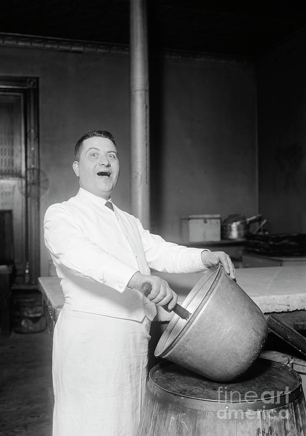 Baker Singing While Mixing Batter Photograph by Bettmann