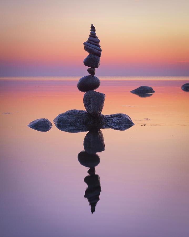 Balancing art #87 by Pontus Jansson