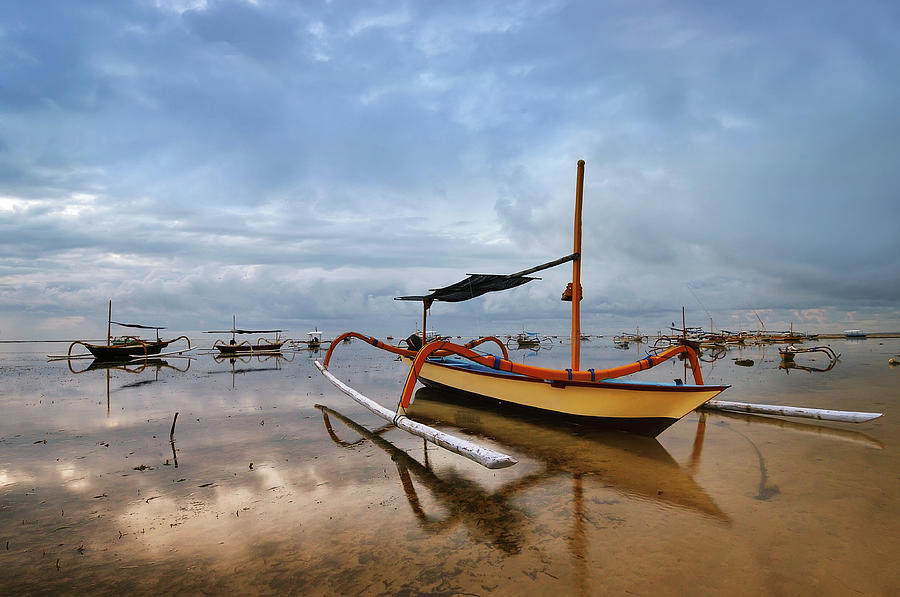 Bali - Traditional Fishing Boat Photograph by Fiftymm99