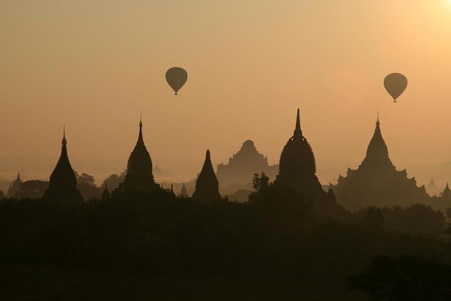 Balloons Over Bagan, Burma Photograph by Joe & Clair Carnegie / Libyan Soup