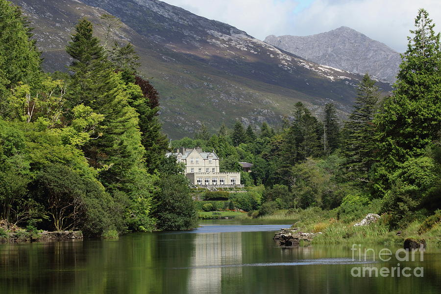 Ballynahinch Castel by Peter Skelton