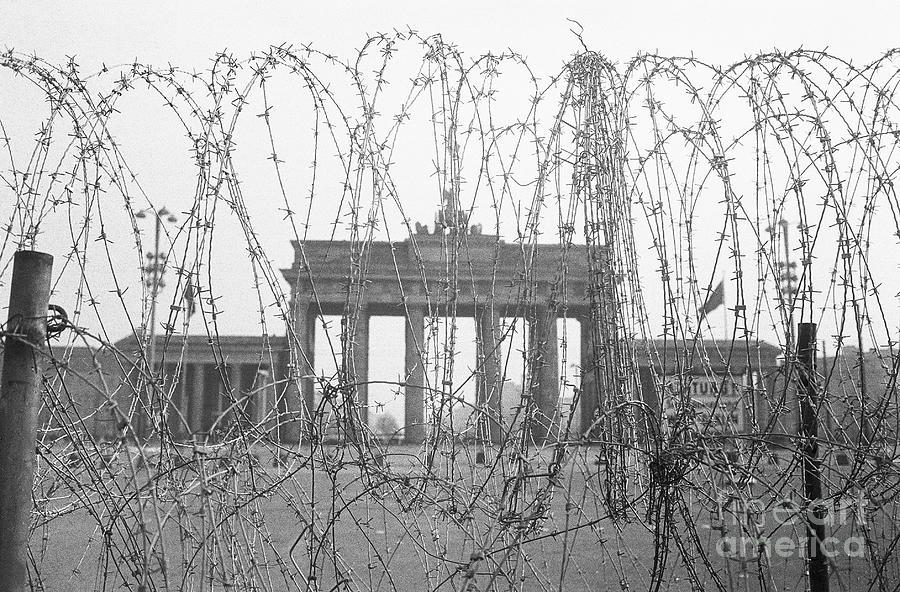 Barbed Wire And Brandenburg Gate Photograph by Bettmann
