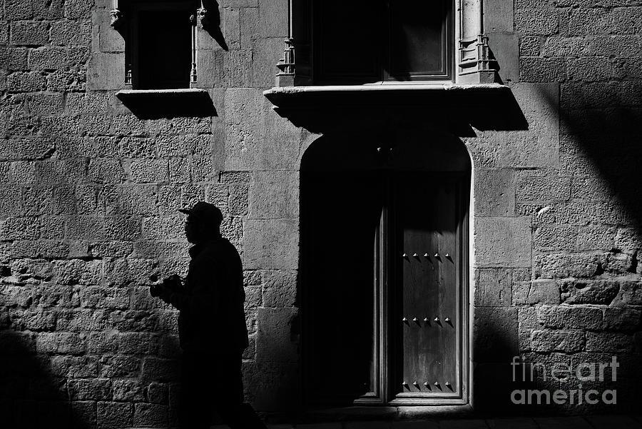 Barcelonas Gothic Quarter Photograph by Sergi Escribano