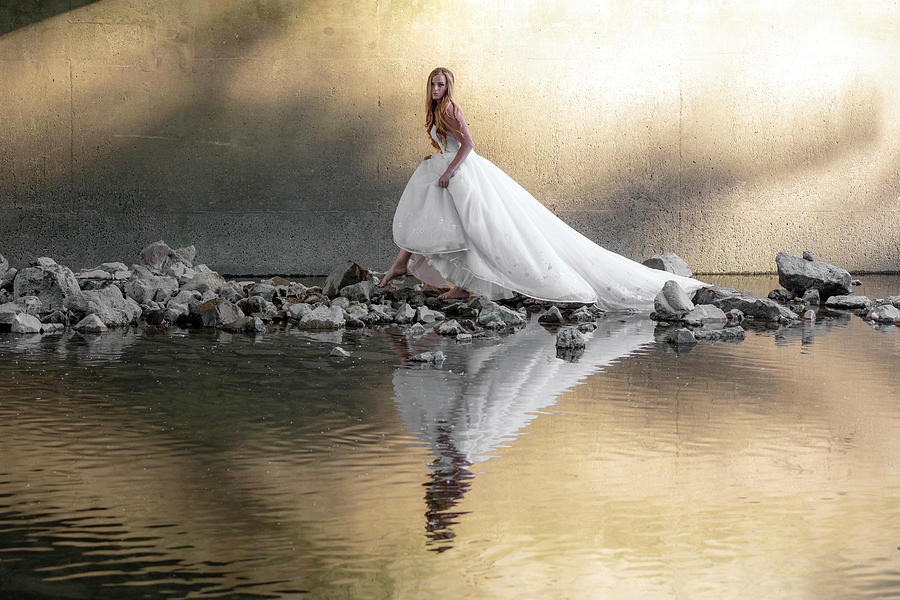 Barefoot Bride by Wes and Dotty Weber