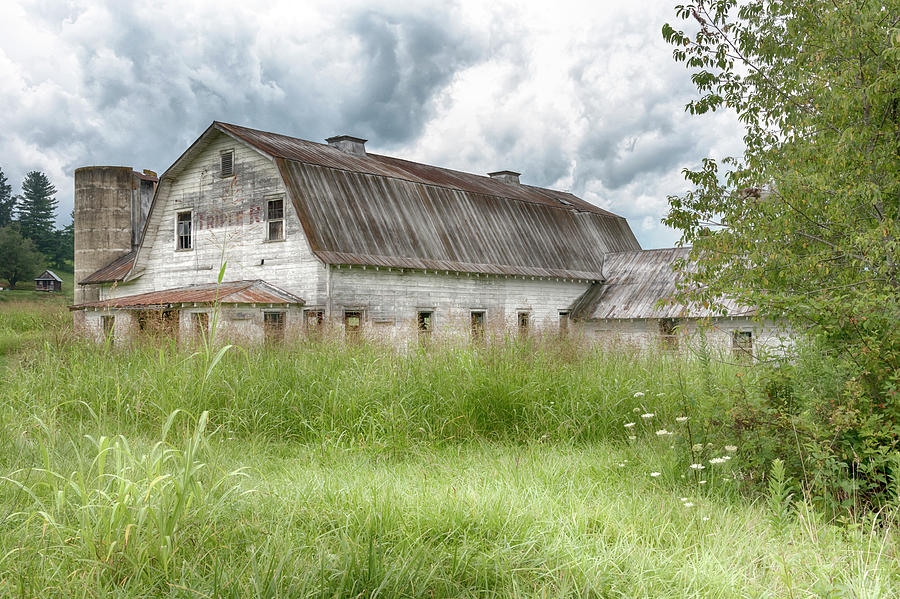 Barn and Silo #1324 by Susan Yerry
