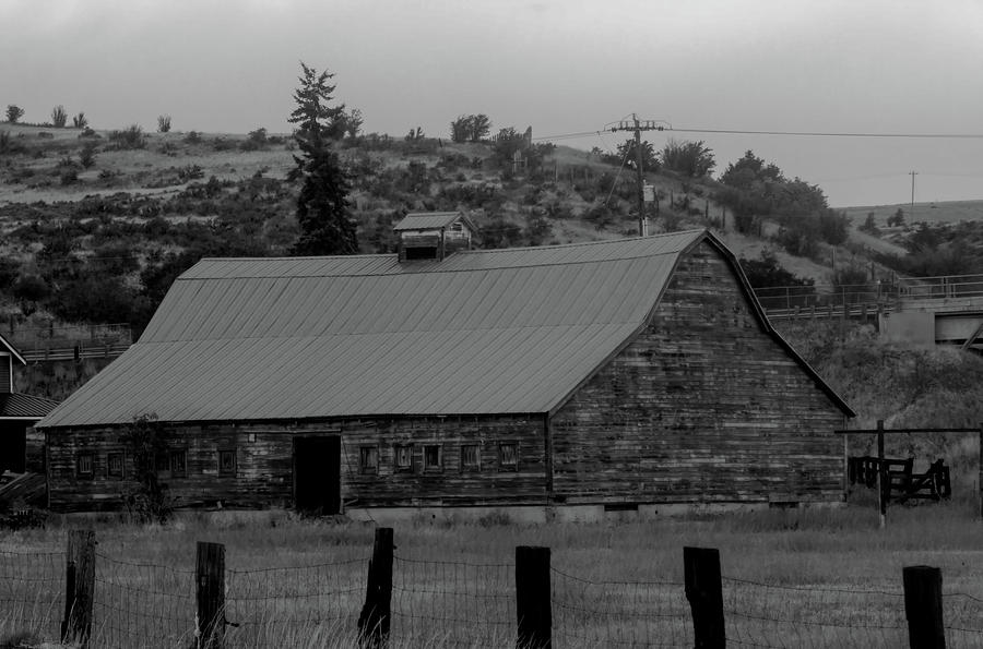 Barn by I90 by Cathy Anderson