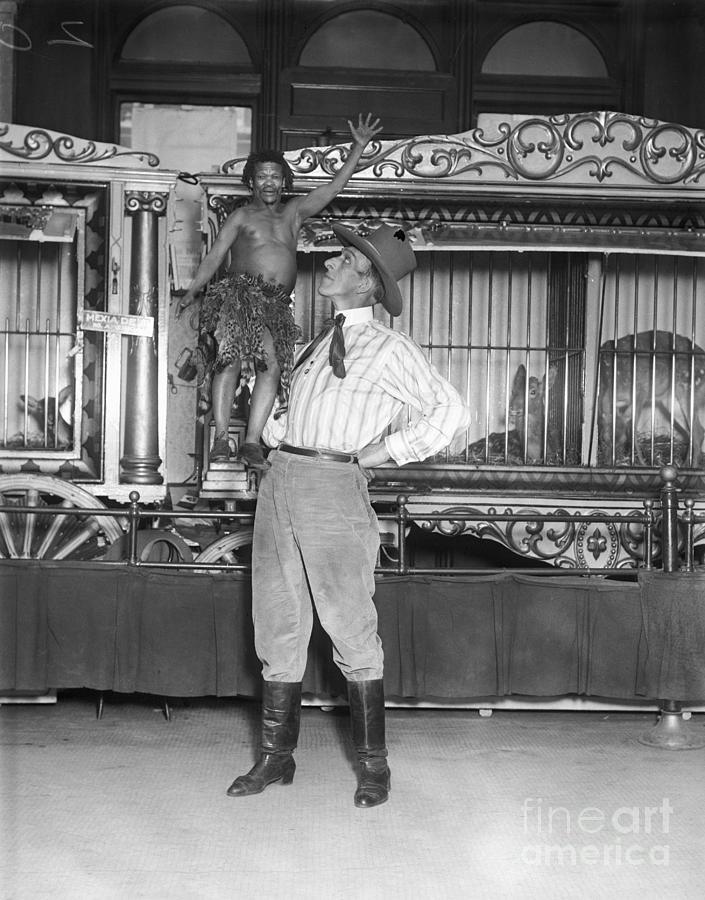 Barnum And Bailey Circus Folk Photograph by Bettmann
