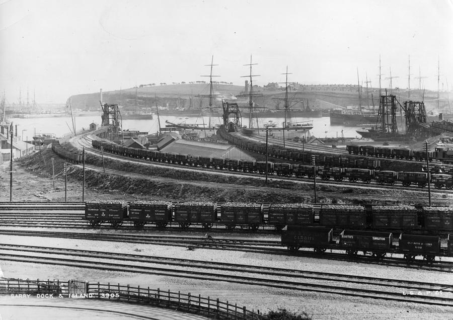 Barry Rail Photograph by Hulton Archive