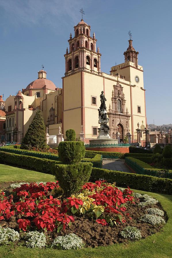Basilica De Nuestra Senora De Photograph by John Elk