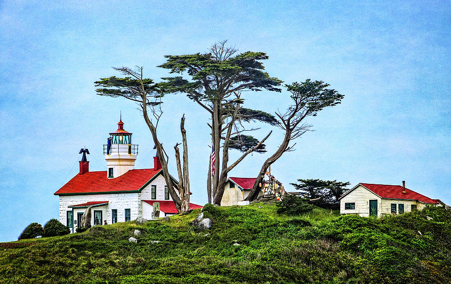 Battery Point Lighthouse by Carolyn Derstine