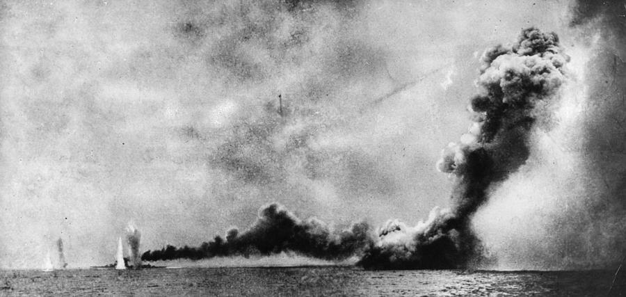 Battle Of Jutland Photograph by Hulton Archive