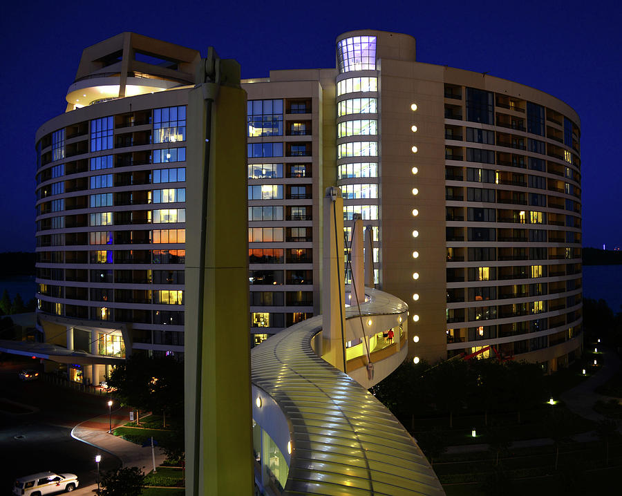 Bay Lake Towers architecture by David Lee Thompson