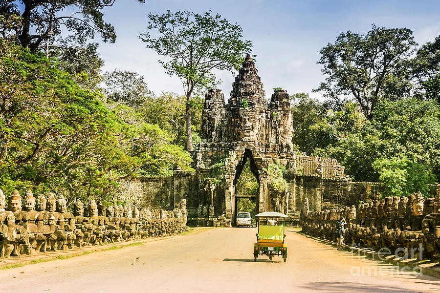 Religious Photograph - Bayon ,siem Reap ,cambodia, Was by Guozhonghua