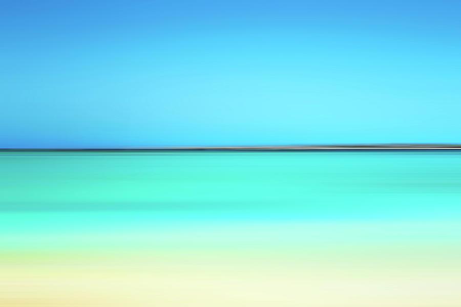Beach Horizon by Reynaldo Williams