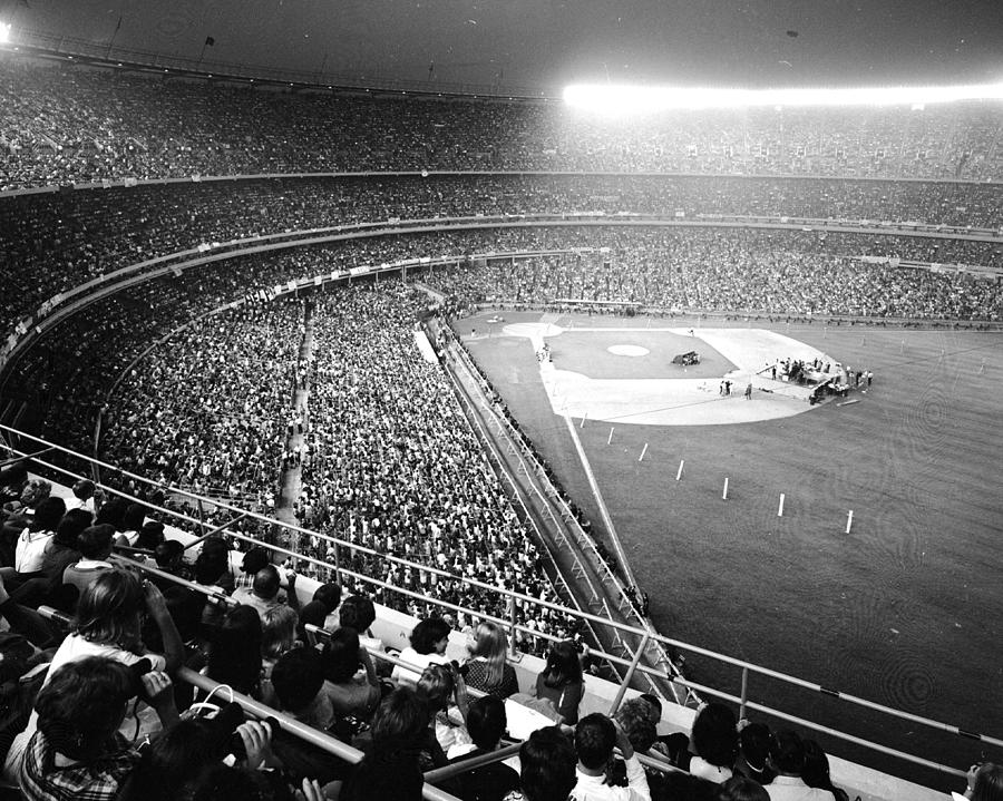 Beatles Concert At Shea Stadium Photograph by New York Daily News Archive