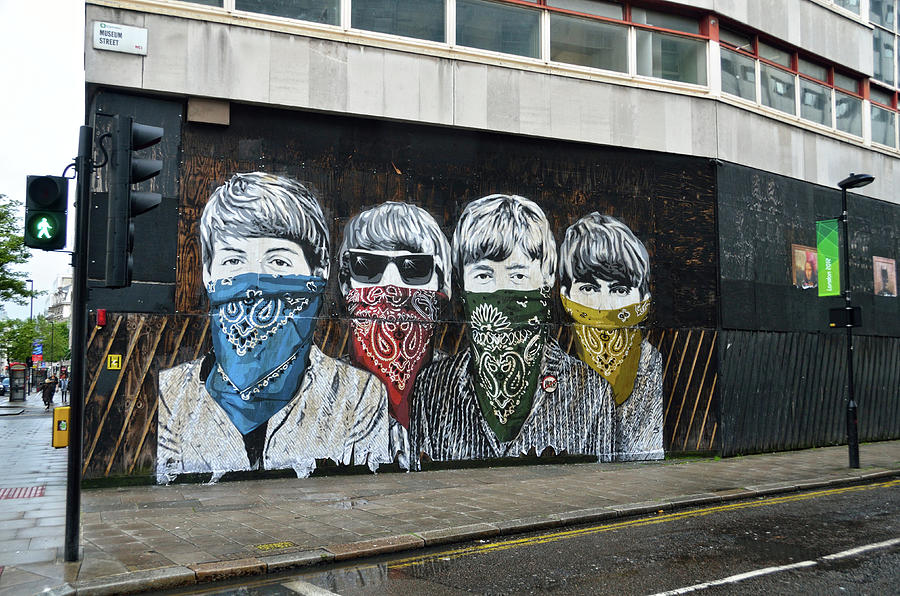 Beatles street mural in London by RicardMN Photography