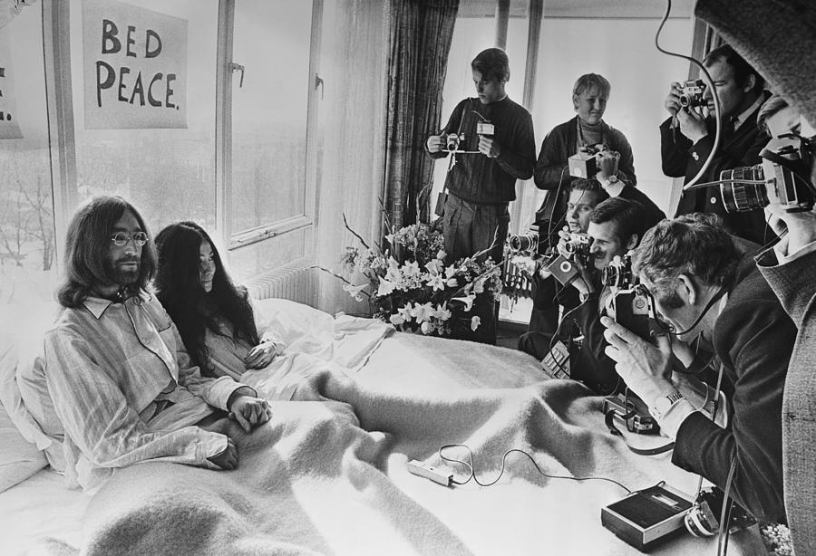 Bed Peace Photograph by Central Press