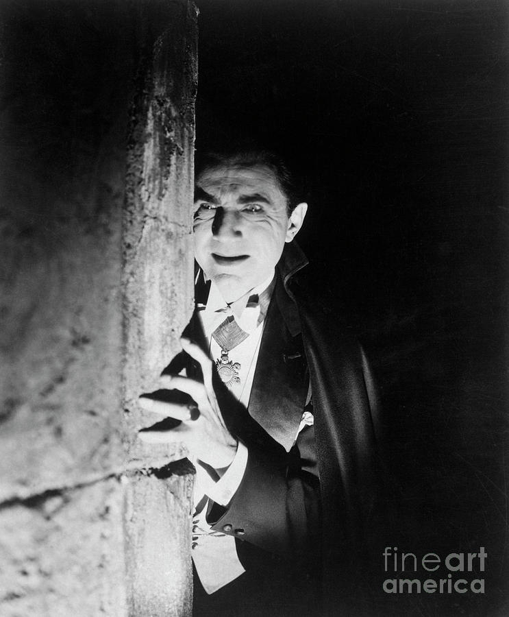Bela Lugosi As Dracula Photograph by Bettmann