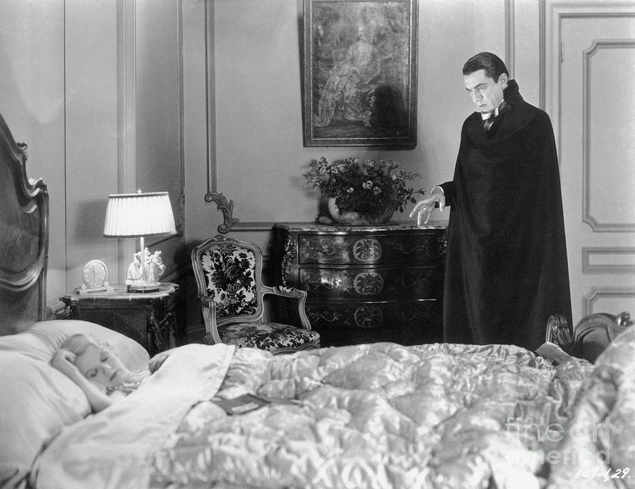 Bela Lugosi In The 1931 Film Dracula Photograph by Bettmann