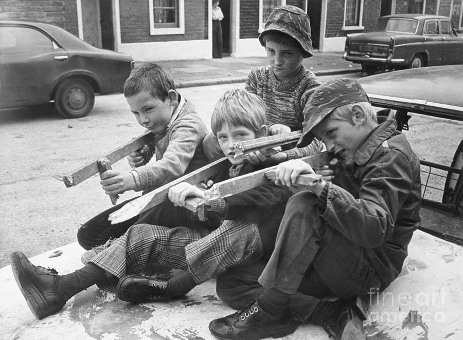Belfast Boys With Homemade Toy Guns Photograph by Bettmann