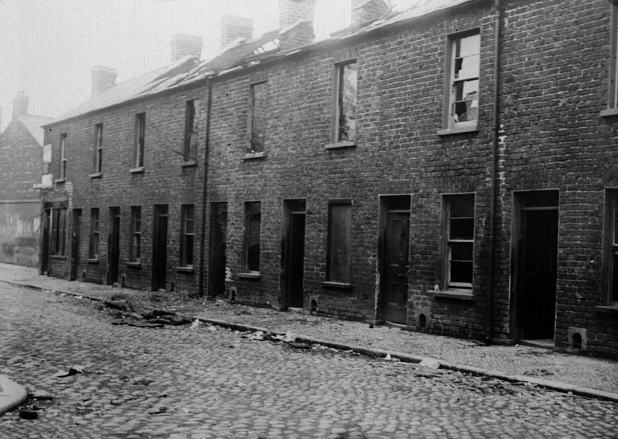 Belfast Slum Photograph by Topical Press Agency