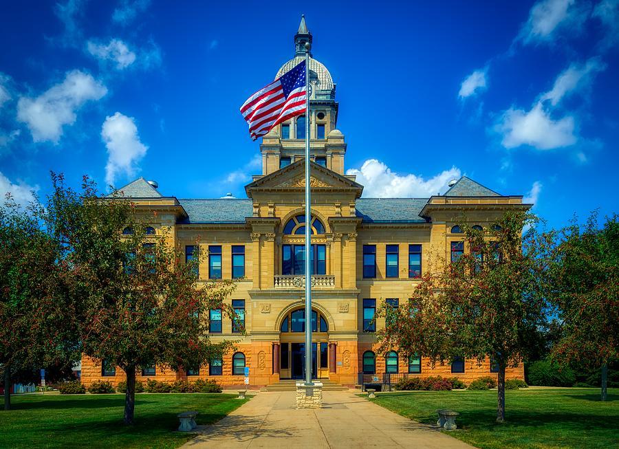 Benton County Courthouse - Vinton, Iowa