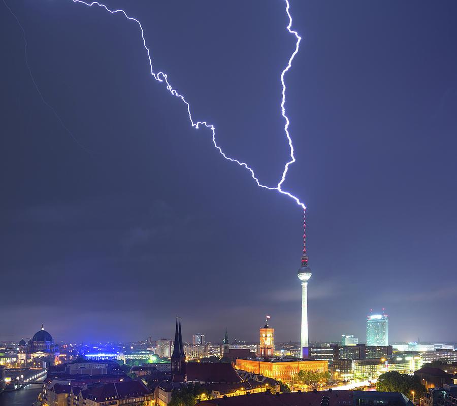 Berlin Skyline Thunderstorm Photograph by Matthias Makarinus