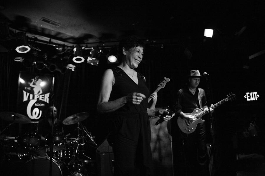 Bettye Lavette Performs In Los Angeles Photograph by Jim Steinfeldt