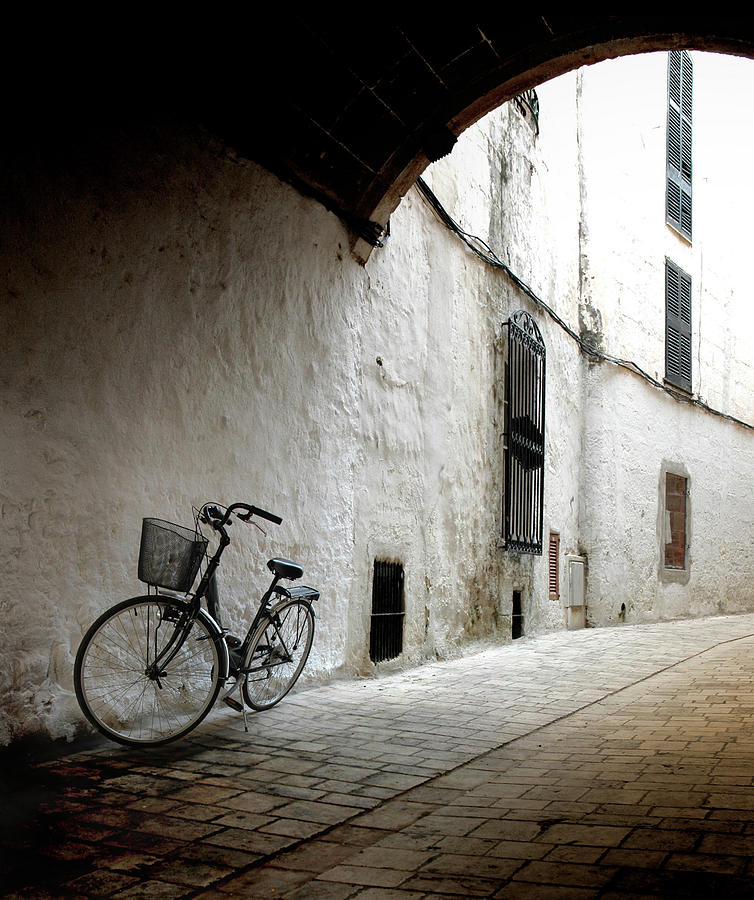 Bicycle Leaning Wall Photograph by Antonio R. Ramos