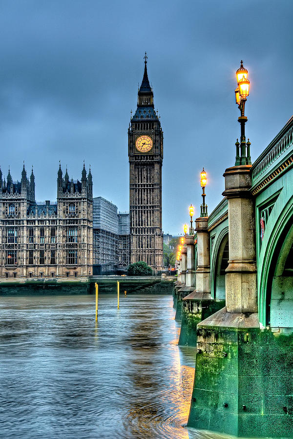 Big Ben In London At Dawn Photograph by Francisco Diez Photography
