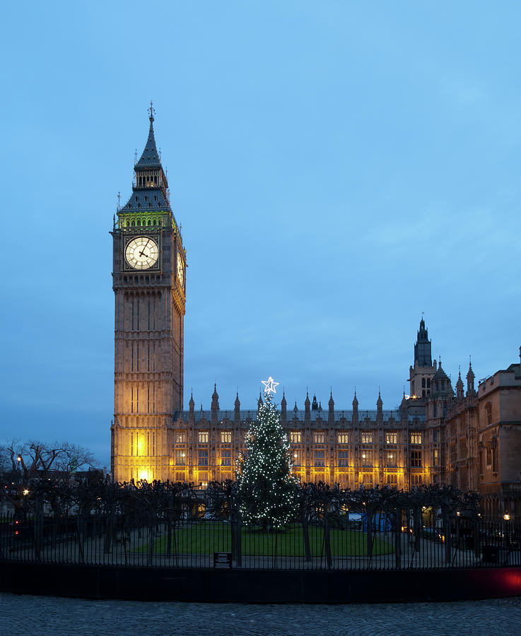 Big Ben In London With Christmas Tree Photograph by Stockcam