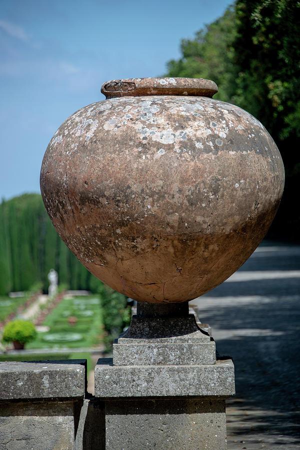 Italy Photograph - Big Pot by Joseph Yarbrough