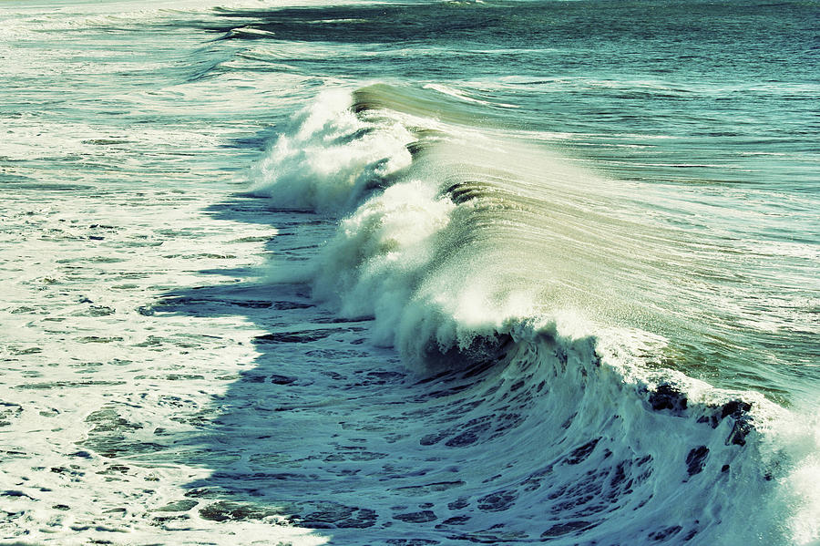 Big Waves And Sea Foam Photograph by Kevinruss