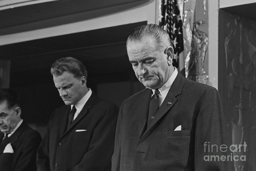 Billy Graham And Lyndon Johnson Photograph by Bettmann