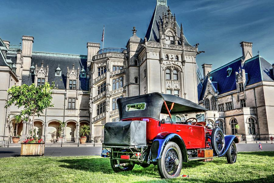 Biltmore And Antique Rolls-Royce by Carol Montoya