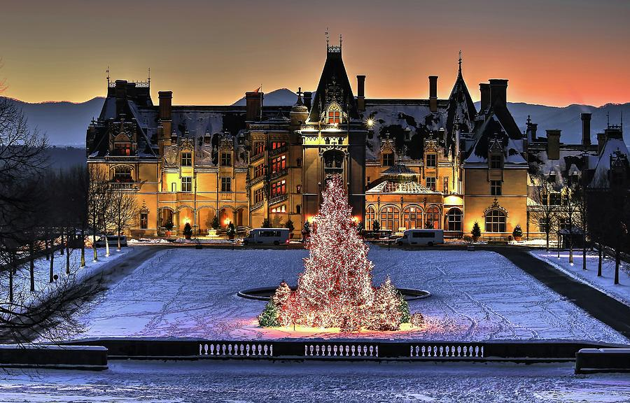 Biltmore Christmas.Biltmore Christmas Night All Covered In Snow