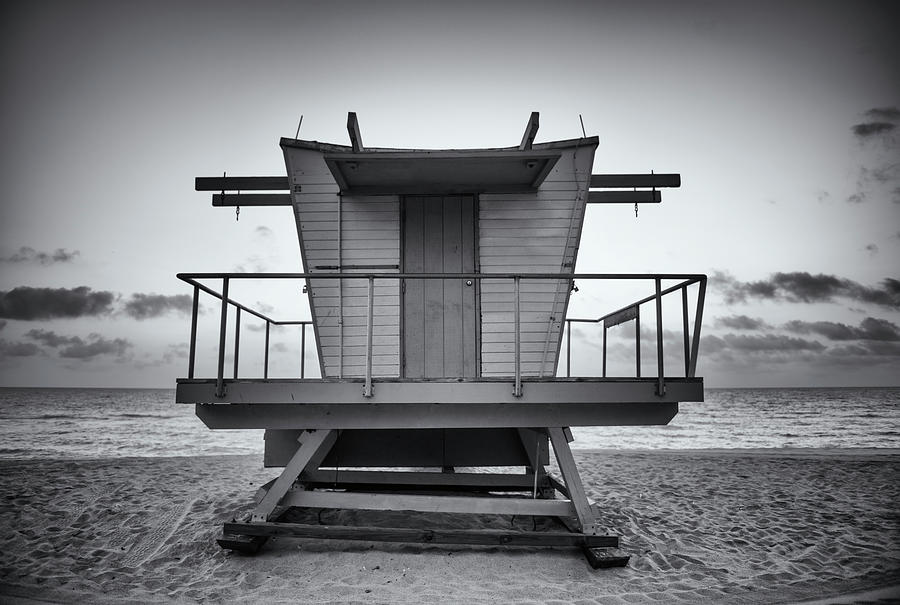 Black And White Lifeguard Stand In Photograph by Boogich