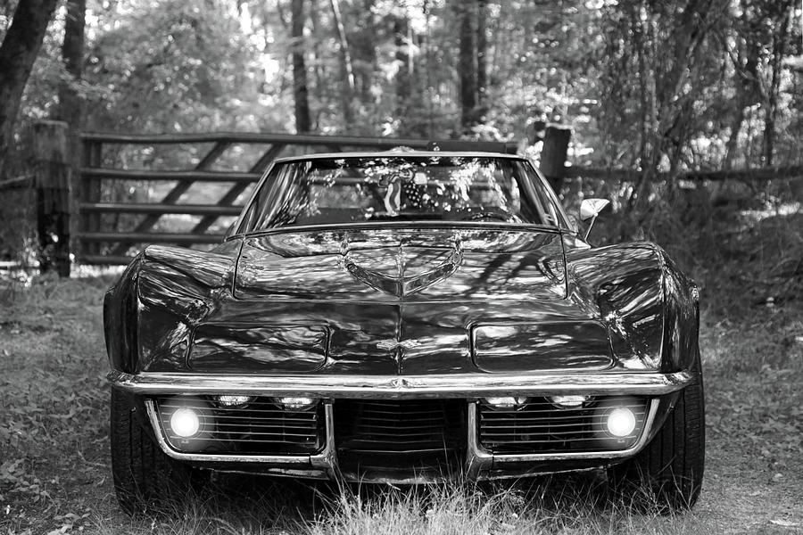 1969 Corvette Stingray >> Black And White Of A 1969 Corvette Stingray