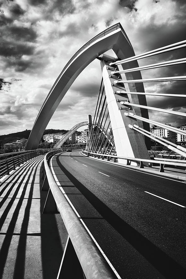 Black and white version of the Millennium Bridge by Eduardo Jose Accorinti
