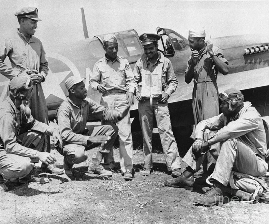 Black Pilots Sharing Stories Photograph by Bettmann