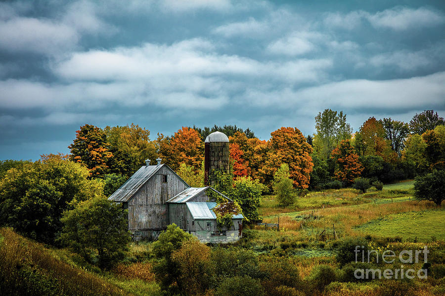 Black River Valley Barn by Roger Monahan