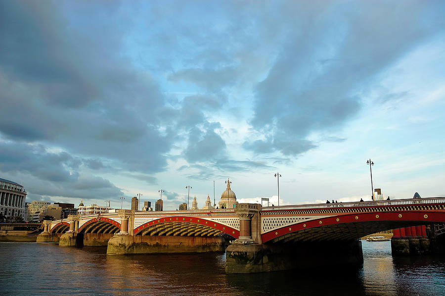 Blackfriars Bridge, The Thames, London Photograph by Copyright Doug Harman. Doug Harman Photography
