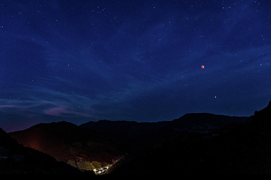 Blood Moon and Mars over San Benedetto by Dimitris Sivyllis