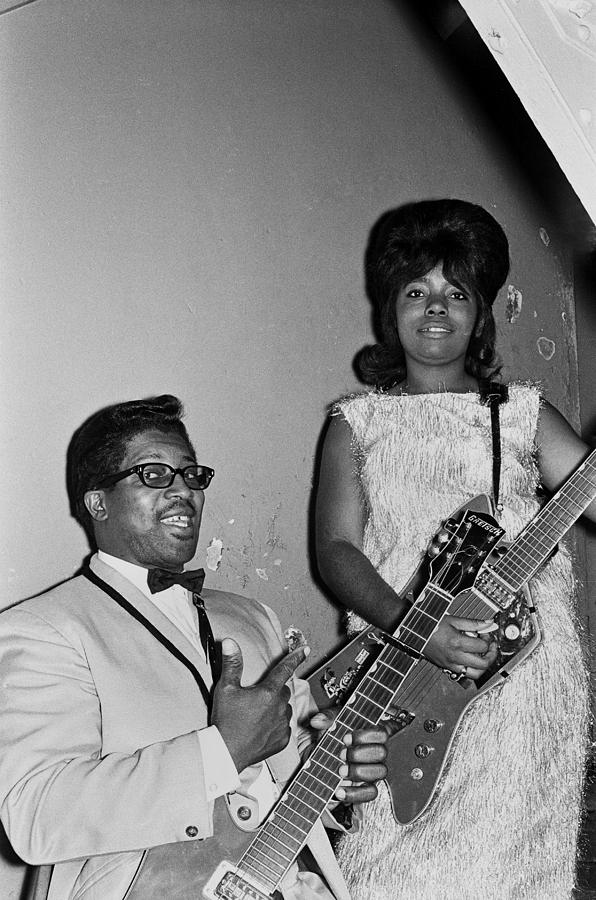 Guitarist Photograph - Bo Diddley At The Apollo by Michael Ochs Archives