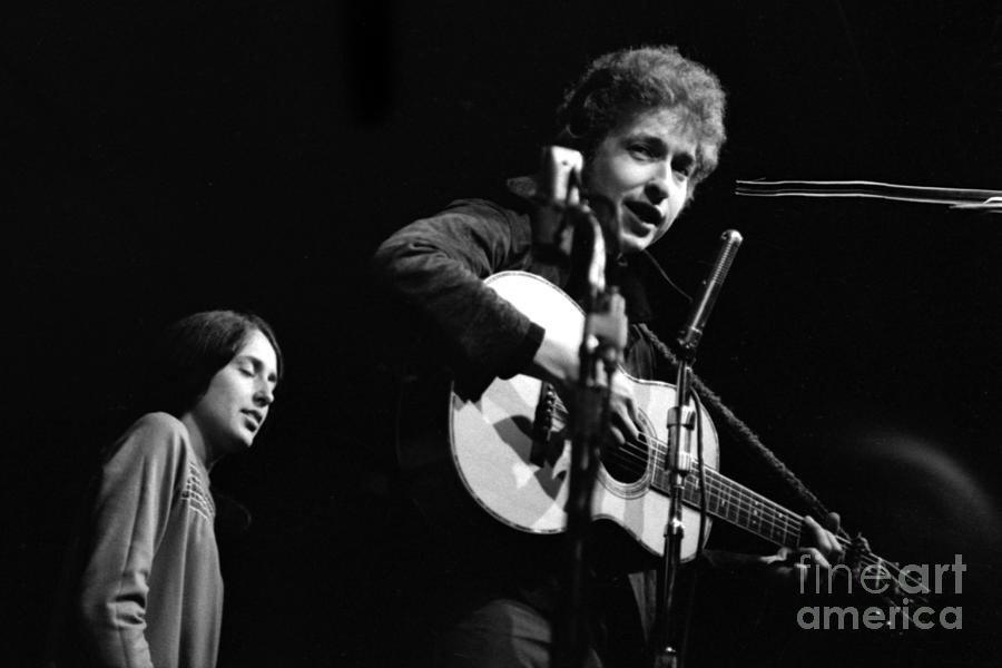 Bob Dylan and Joan Baez by Dave Allen