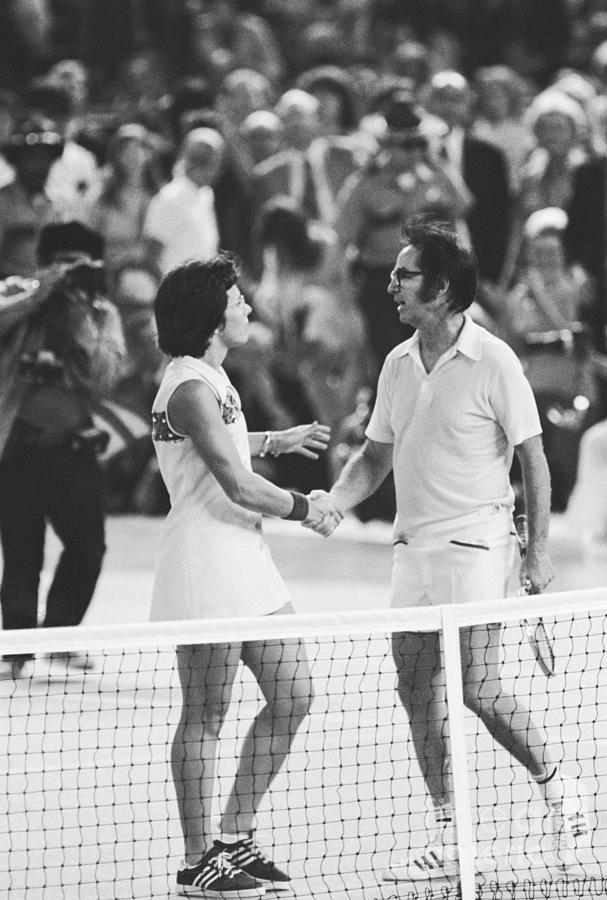 Bobby Riggs And Billie Jean King Photograph by Bettmann