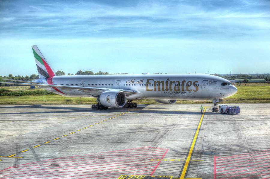 Boeing 777-300ER Emirates  by David Pyatt