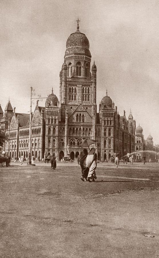Bombay Municipal Hall Photograph by Hulton Archive