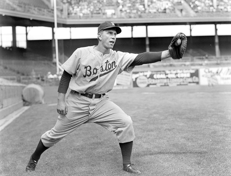 Boston Bees First Baseman Ellsworth Photograph by New York Daily News Archive