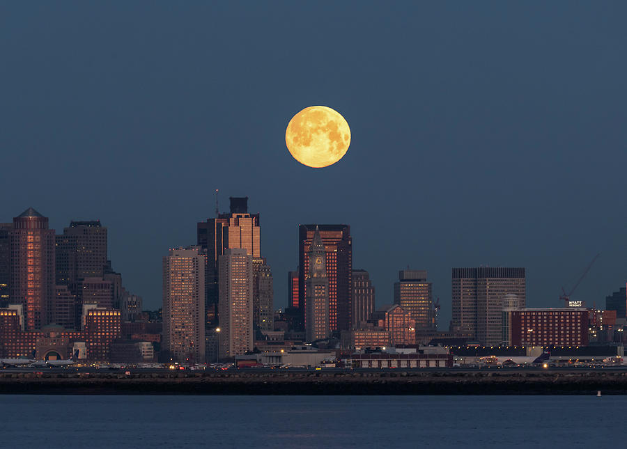 Boston Moonset by Rob Davies